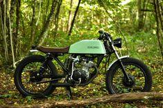 Nice Honda CG125 by FrenchMonkeys: http://bikebrewers.com/honda-cb-125-cg-by-frenchmonkeys/
