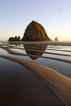 Travel Photo Essay: Haystack Rock, Oregon My Grandmother's favorite beach - Cannon Beach. Haystack Rock in Oregon by Robert Landau. Oh The Places You'll Go, Places To Travel, Places To Visit, Travel Destinations, Canon Beach, Cannon Beach Oregon, Oregon Coast, Oregon Usa, Seaside Oregon