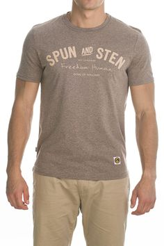 T-shirt Main; light brown.
