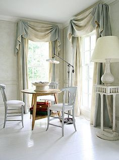 Find Window Treatment Styles Pelmets And Swags How To Position Your Curtain Rods Fabrics Create Beautiful Rooms