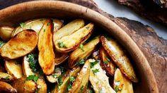 Lemon and Parsley Skillet-Roasted Fingerling Potatoes Recipe | Bon Appetit Iron Skillet Recipes, Skillet Meals, Potato Dishes, Potato Recipes, Vegetable Sides, Vegetable Recipes, Vegan Recipes Easy, Vegan Meals, Vegetarian Recipes