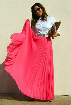 Pleated pink maxi + oxford.