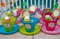 Cute favors.  {Real Parties} Popsicle Party « Belleza e Luce