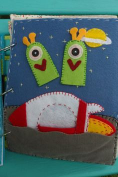alien finger puppets