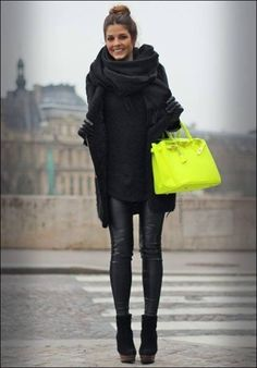 Total black & fluo bag #streetstyle