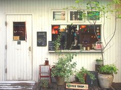 coffee shop - off the beaten track