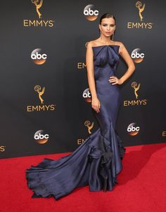 Photos Won't Do Emily Ratajkowski's Emmys Gown Justice — You Need to See It in Action