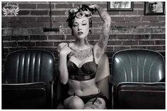 Pin-up makeup & tattoos