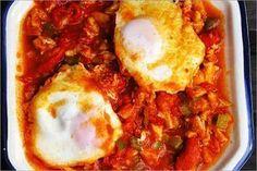Receta fácil y rápida para preparar unos huevos rotos con migas de bacalao deliciosos con pocas calorías, que te ayude a bajar de peso de manera sana sana.