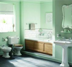 peinture salle de bain vert pâle avec sanitaire et carrelage vintage