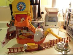 1977 Matchbox-Play boot-Live and Learn. This takes me back playing with this set when I was little!