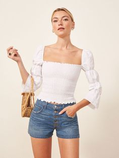 womens fashion trends that looks great. Older Women Fashion, Teen Fashion, Fashion Outfits, Womens Fashion, Fashion Trends, Fashion Editor, Fashion 2015, Fashion Spring, Oktoberfest Outfit