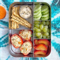 This spacious, stainless steel bento box features five compartments, making it easy for you to add variety to your child's meal. Bento Recipes, Lunch Box Recipes, Healthy Recipes, Baby Food Recipes, Healthy Snacks, Healthy Eating, Bento Box Lunch For Kids, Lunch Snacks, Best Lunch Box