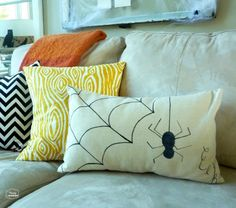 drop-cloth-sharpie-pillow-closeup-by-thehappyhousie