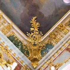 vivrearia: Rundale Palace: ceiling detail