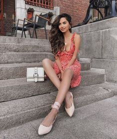 The 50 Best London Fashion Bloggers in 2018 - The CLCK London Fashion Bloggers, European Wedding, Full Look, 50th, Your Style, Summer Outfits, Gowns, Photo And Video, People