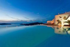 Anastasis Apartments at Santorini island. Omdat Santorini hier het allermooiste is. Oasis, Imerovigli Santorini, Santorini Island Greece, Greece Hotels, Hotels And Resorts, Small Hotels, Luxury Hotels, Holiday Places, Greece Travel