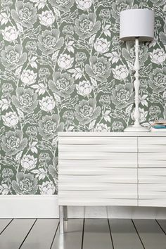 Peony is from the Chelsea Papers collection. It takes inspiration from the ornamental flower and is a bold and curvaceous pattern that brings contemporary glamour to a traditional floral design. Available in 20 colourways.