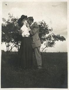Edwardian Valentine – Charming Kisses That Make You Unable to Resist in the 1900s