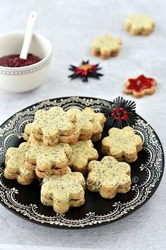 Mohnkuchen Poppy seed cookies Wedding ceremony Gown Alterations When you could have a marriage gown Easy Cupcake Recipes, Easy Smoothie Recipes, Easy Smoothies, Cookie Recipes, Oreo Desserts, Pudding Desserts, Fall Desserts, Poppy Seed Cookies, Chocolate Cake Mix Cookies