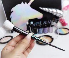 O kit de maquiagem (de farmácia) Unicórnio que a gente respeita! - http://www.pausaparafeminices.com/maquiagem/o-kit-de-maquiagem-de-farmacia-unicornio-que-gente-respeita/
