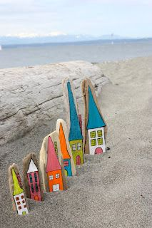Driftwood Cottages. So cute!  painting driftwood for a craft