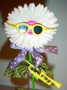Dancing, Singing Wonder Flower