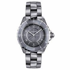 """Chanel Horlogerie montre """"J12 Chromatic"""" en céramique de titane, mouvement mécanique à remontage automatique, réserve de marche, 4 700 €"""