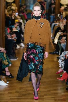 Erdem Fall 2019 Ready-to-Wear Collection - Vogue London Fashion Weeks, Twin Set, Vintage Chanel, Latest Fashion For Women, Womens Fashion, Exclusive Clothing, Looks Chic, Katie Holmes, Vogue Russia