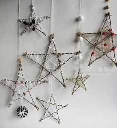In this DIY tutorial, we will show you how to make Christmas decorations for your home. The video consists of 23 Christmas craft ideas. Handmade Christmas Decorations, New Years Decorations, Homemade Christmas, Rustic Christmas, Christmas Projects, Christmas Tree Ornaments, Natural Christmas, Simple Christmas, Christmas Time