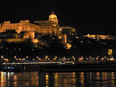 Budapest at Night wallpaper