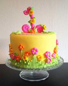 Una's Cake Studio,Zurich A little girl's first birthday cake.