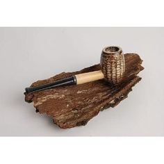 Country Gentleman Corn Cob Pipe by Missouri Meerschaum (actually made in my home town of Washington, Missouri). Perfect pipe for a short trip in the bush.