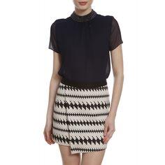 Blusa Gola Bordada Lú. #black #fashion #streetstyle