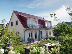 Strandnah, absolut ruhig zwischen Kiefernwald und Wiesen zum Achterwasser liegen die Usedom Ferienwohnungen Tannengrund