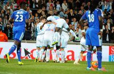 En s'imposant face à Lyon 4-2, l'OM préserve ses chances pour finir 5ème au classement de la ligue 1 et se qualifier pour l'Europa League l'année prochaine.