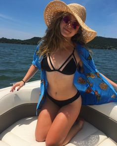 "23.8k Likes, 146 Comments - Brec Bassinger (@brecbassinger) on Instagram: ""Pineapples and sunburns Xo."""