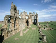 Set on a headland high over the popular seaside town, Whitby Abbey is the perfect choice for a great value day trip in Yorkshire. Whitby Abbey, English Heritage, Fantasy Castle, Seaside Towns, Ancient Ruins, Out Of This World, Day Trip, Art And Architecture, Fantasy