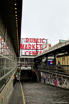 Pike's Place Market, the Space Needle, and the Original Starbucks are probably among the obligatory things to do in Seattle. You have to visit them at least once if you're in Seattle. On our second visit to the city, we accidentally stumbled across the Fremont Troll, which was a nice surprise. We…
