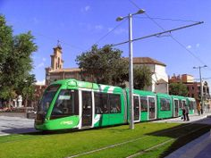El Ayuntamiento de Parla está empezando a acumular demasiadas deudas, sobre todo con el Consorcio de Transportes. Gracias a la idea del tranvía, Parla ya acumula una deuda de 23 millones que aumenta en 1,5 millones cada mes, algo que, según el Ayuntamiento, supone «una losa económica para los parleños». PARLA - MADRID