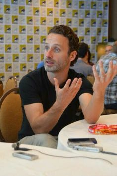 Andrew Lincoln...oh those hands ;)