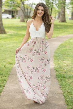 Embrace your Boho chic aesthetic in boutique maxi dresses that are effortlessly stylish. Uncover an assortment of fashionable, funky dresses at Pink Lily. Spring Clothes, Spring Outfits, Funky Dresses, Summer Dresses, Pink Lily Boutique, Country Casual, Beige Style, Boutique Maxi Dresses, Long Skirts