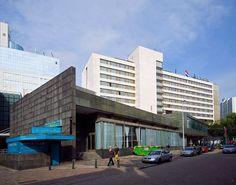 Hilton Hotel Rotterdam / Hilton Hotel Rotterdam ( H.A. Maaskant, F.W. de Vlaming )