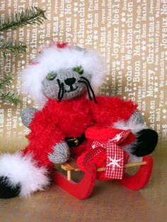 Cat Doll Reto/hand knitted cat/collectible decorative by YaGrashka Knitted Cat, Cat Doll, Hand Knitting, Christmas Wreaths, Dolls, Holiday Decor, Handmade Gifts, Cats, Vintage