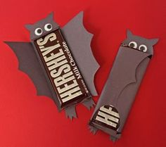 These Bat Chocolate Bars are perfect Halloween party favors! Finally a bat you won't want to run away from.