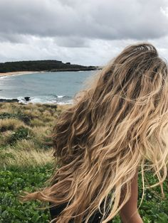 Hawaii, tropical, vacation, four seasons, travel, blonde, beach waves, hair, blonde, ocean, blonde hair, wavy hair, beachy waves