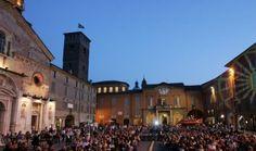 Cinema sotto le stelle – Oltre 3.500 persone per le cinque proiezioni estive in piazza Prampolini Si è chiusa ieri sera, con il tutto esaurito in piaz...