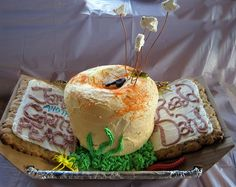 James and the Giant Peach book cake - via flavorwire James And Giant Peach, Peach Cake, Kitchen Witchery, Book Cakes, Book Festival, Vanilla Frosting, Take The Cake, Just Peachy, Good Enough To Eat