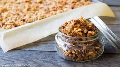 Homemade granola for a healthy snack Quick and simple to make this granola is filled with nutrients fiber and natural sugars that will give you a healthy energy boost. Breakfast Recipes, Snack Recipes, Cooking Recipes, Breakfast Ideas, Jar Recipes, Breakfast Muffins, Oatmeal Recipes, Vegan Breakfast, All You Need Is