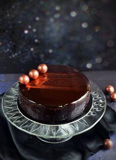 Bee Cakes, Mousse Cake, Cake Designs, Yummy Treats, Baking, Wedding Cake, Sweets, Cakes, Pie Wedding Cake